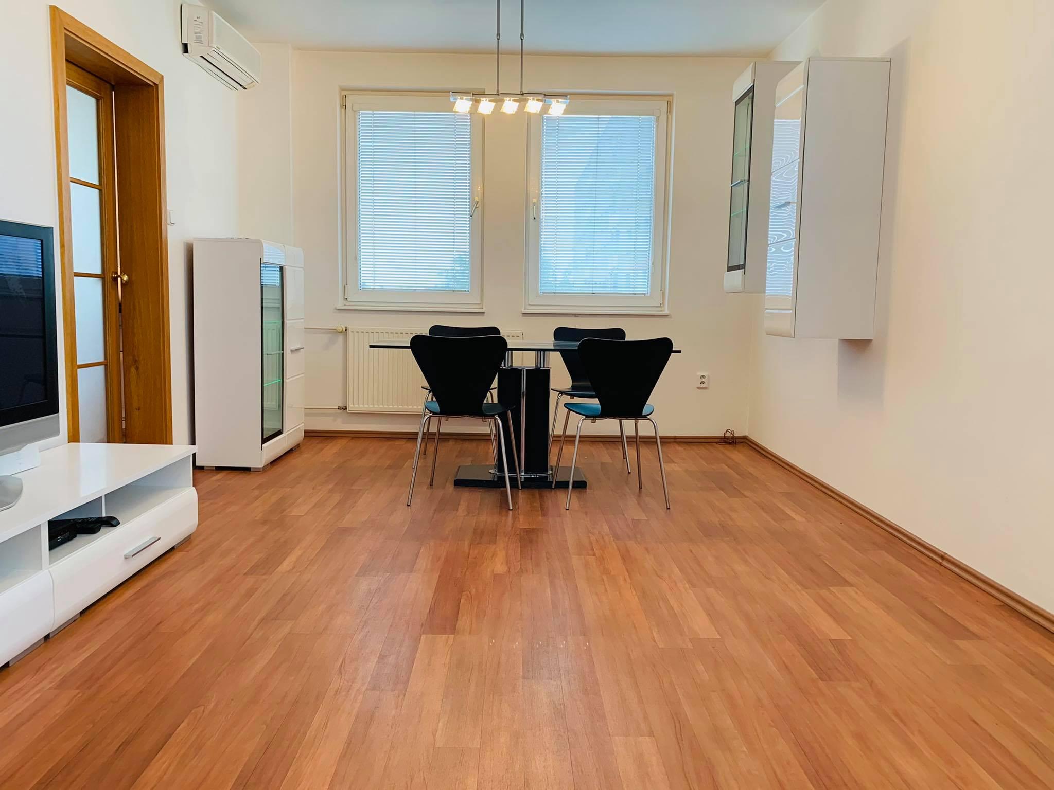 PREDANÉ | Veľký | 2-iz. byt s možnosťou prerobenia na 3-iz. byt | Na Hlinách | PREDAJ | TRNAVA!
